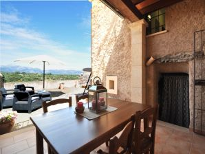 Ferienwohnung Casa de pueblo en Llubí, mit Blick auf die Berge