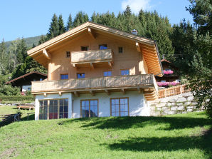 Chalet Descansa; luxe in traditional style