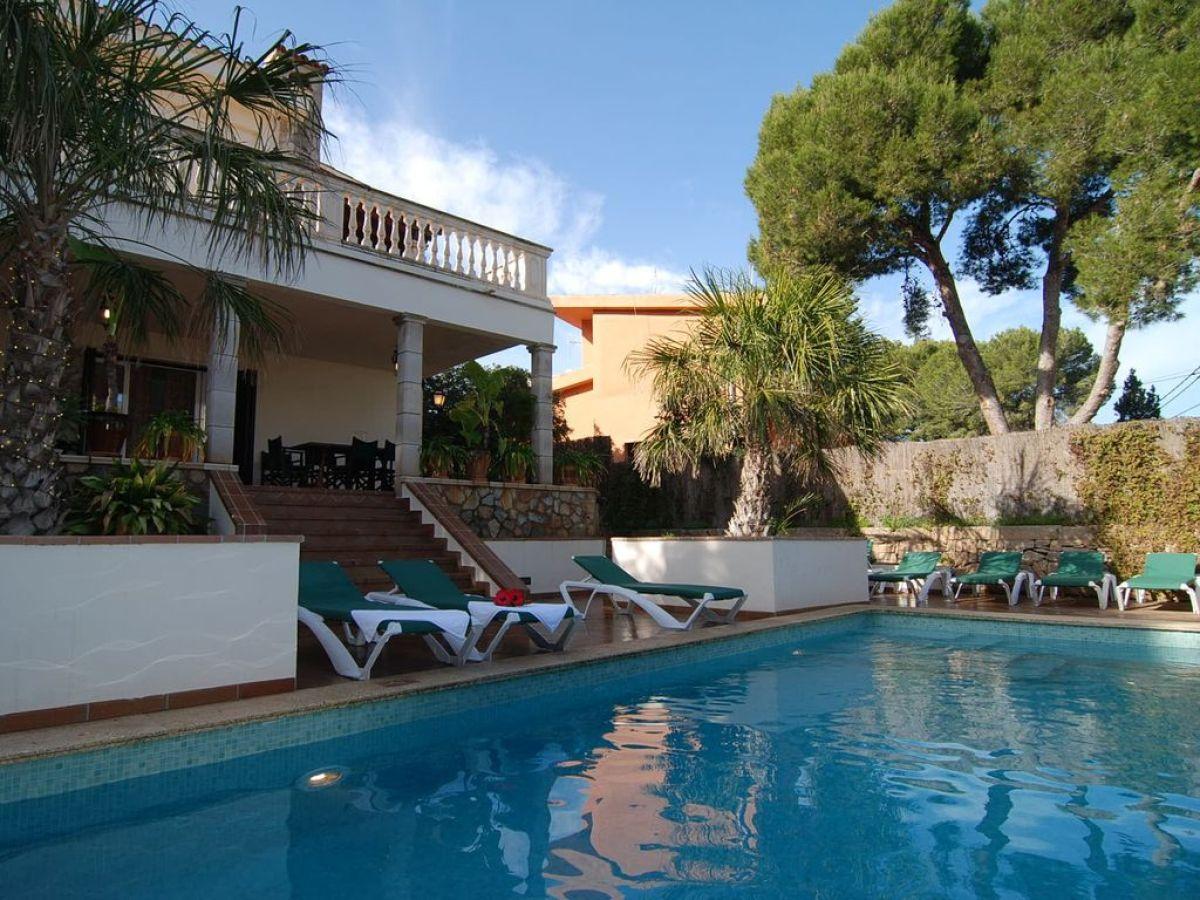 Villa mallorca playa mallorca arenal firma govilla for Ferienhaus mieten
