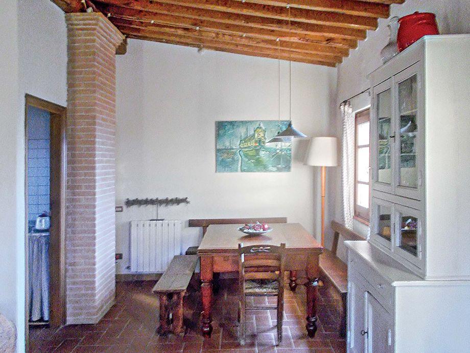 Villa casa pedona camaiore toskana firma villa toscana for Casa classica toscana srl