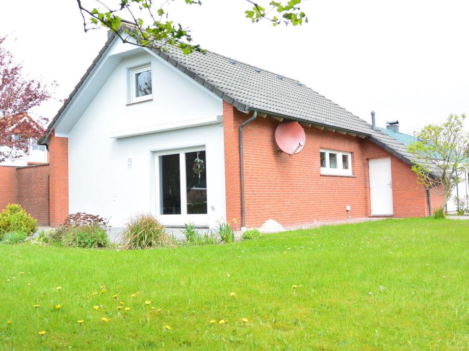 Ferienhaus Haus Garten II, Nordseeheilbad Norddeich - Firma FeWo ...