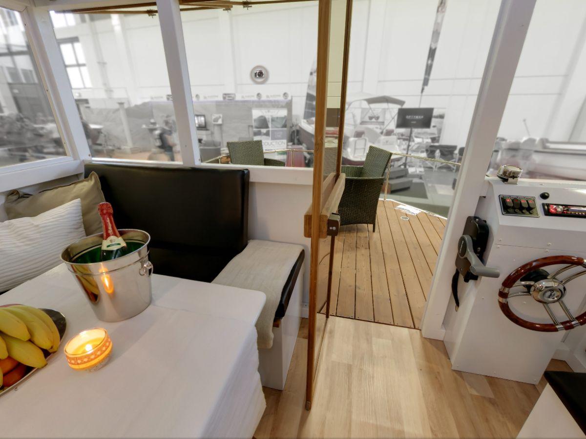 hausboot wohnflo rathenow firma waterhus charter rathenow herr ren kr ger. Black Bedroom Furniture Sets. Home Design Ideas