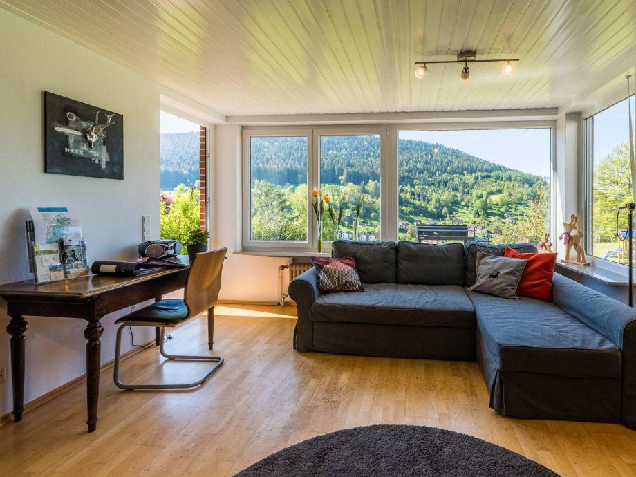 Wohnbereich mit Ausblick auf Alpirsbach