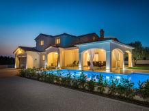 Villa Sunset Lady