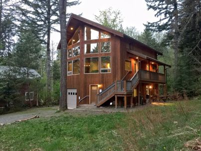 Ein tolles Mt. Baker Ferienhaus mit Whirlpool und Grill!
