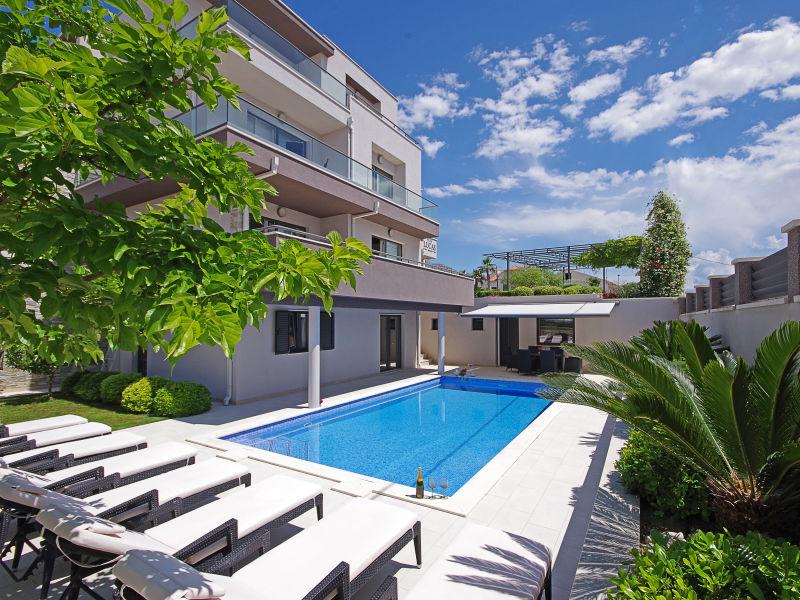 Villa Lucas mit Pool