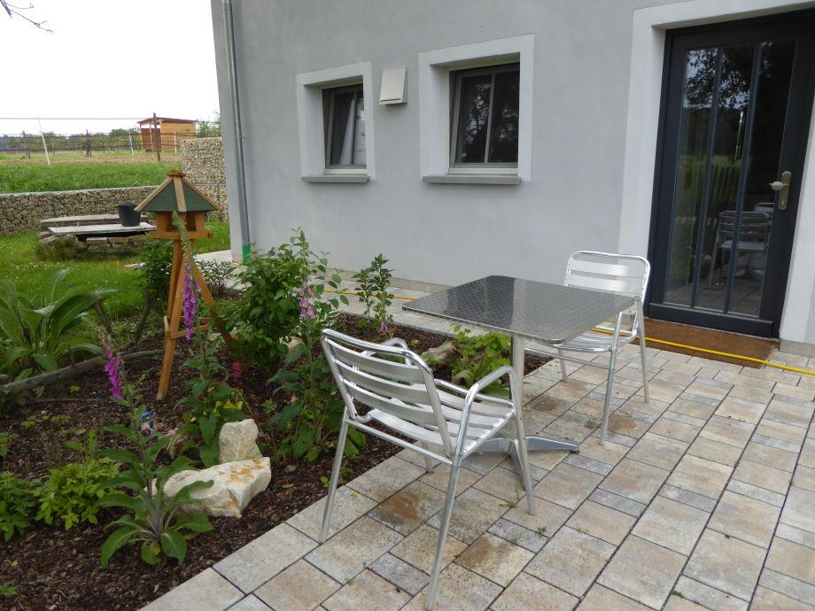 Eingangsbereich mit kleiner Terrasse