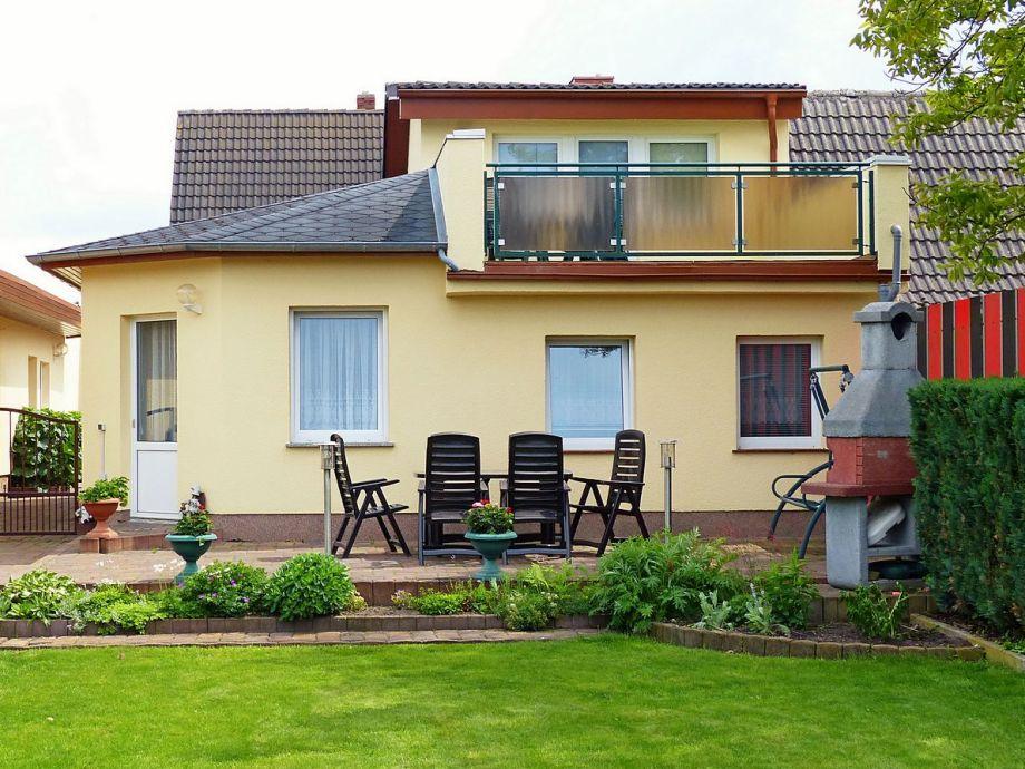 Ferienhaus mit Liegewiese und Terrasse