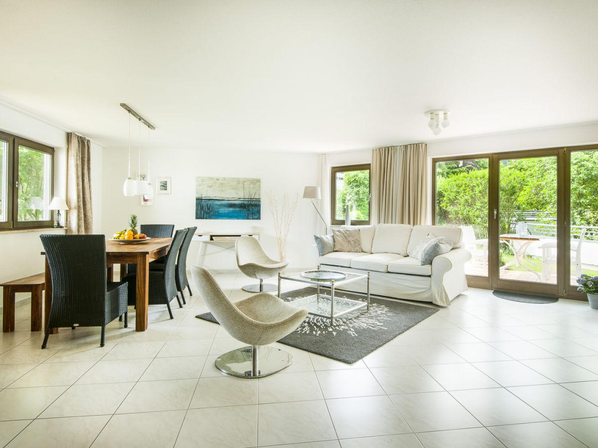 ferienwohnung uferresidenz bodensee firma marx managt ferienwohnungen am bodensee frau. Black Bedroom Furniture Sets. Home Design Ideas