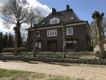 Cottage ehemaliges Gutshaus Oevelgoenne an der Ostsee/Strand