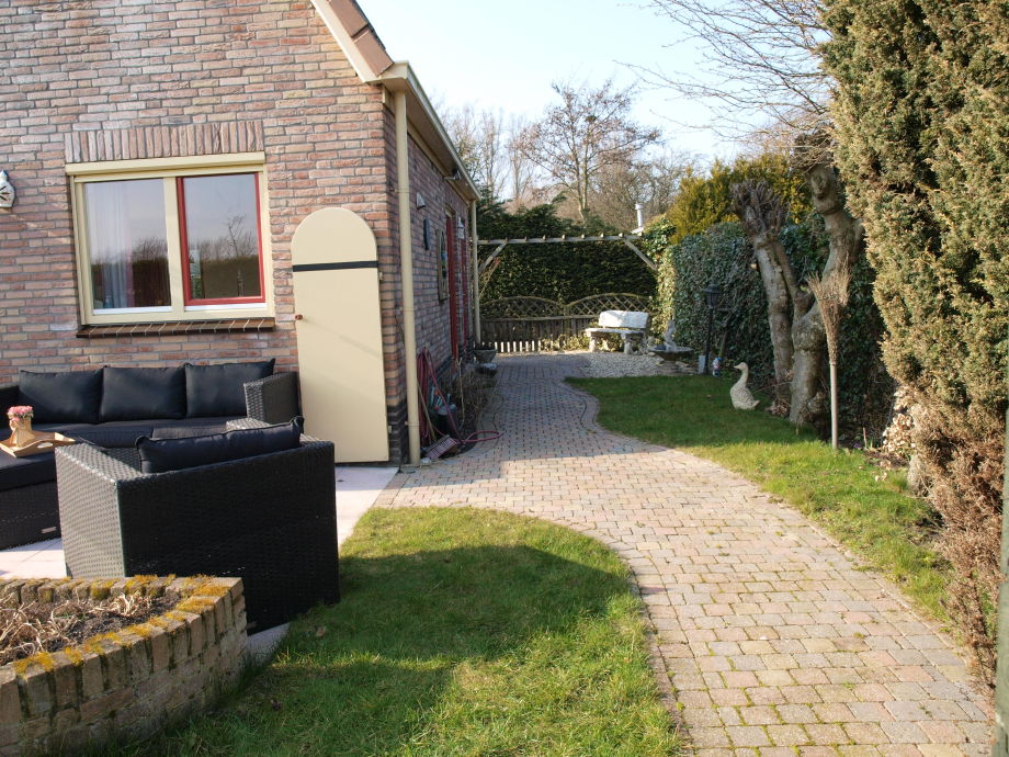 Ferienhaus sunny s d holland noordwijk firma peoos for Angelegter garten