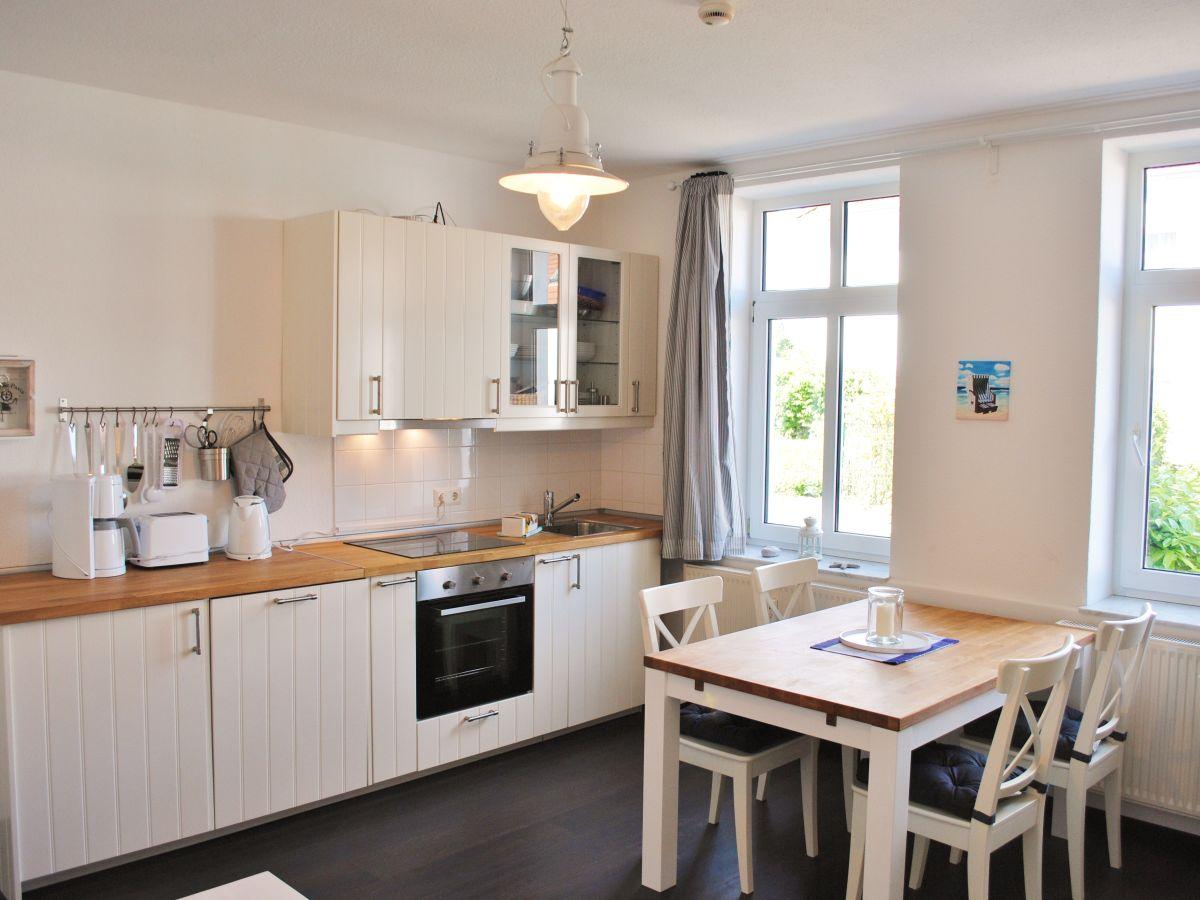 ferienwohnung 1 in der villa diana binz herr thomas klitzsch. Black Bedroom Furniture Sets. Home Design Ideas