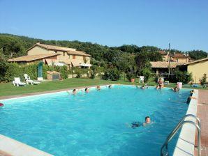 """Ferienwohnung """"Residence sul lago di Mario"""" mit Pool"""