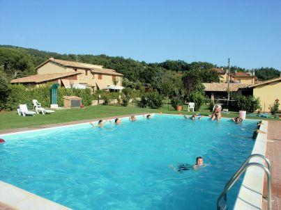 """Residence Sul Lago di Mario"" with pool"