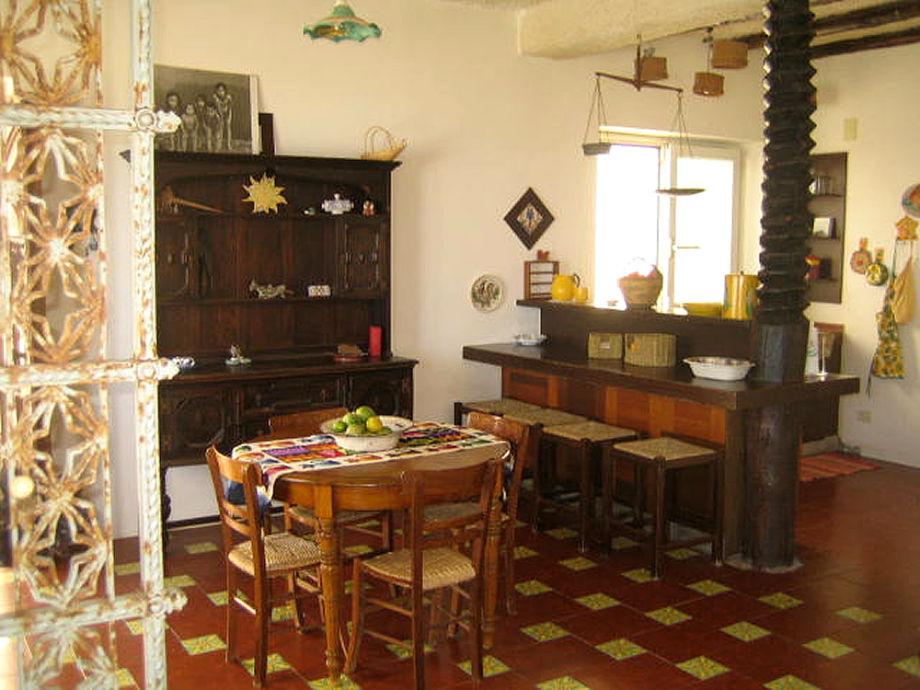 villa casamm re barcellona calder sizilien palermo firma ferienhaus sizilien herr oskar. Black Bedroom Furniture Sets. Home Design Ideas