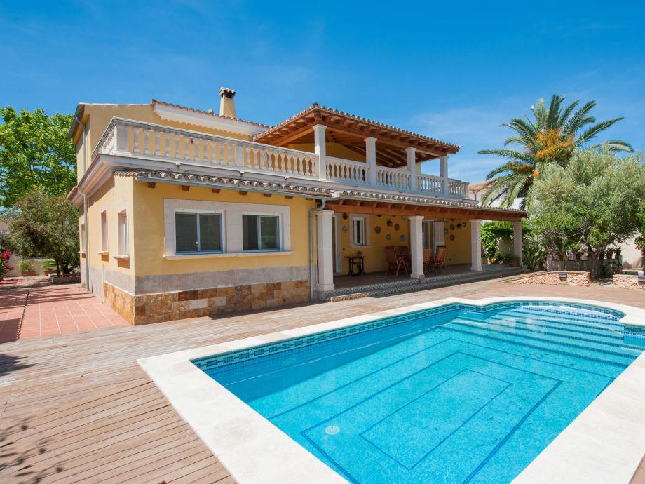 Villa Girasol with swimming pool