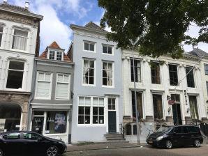 Apartment Den Gouden Valcke