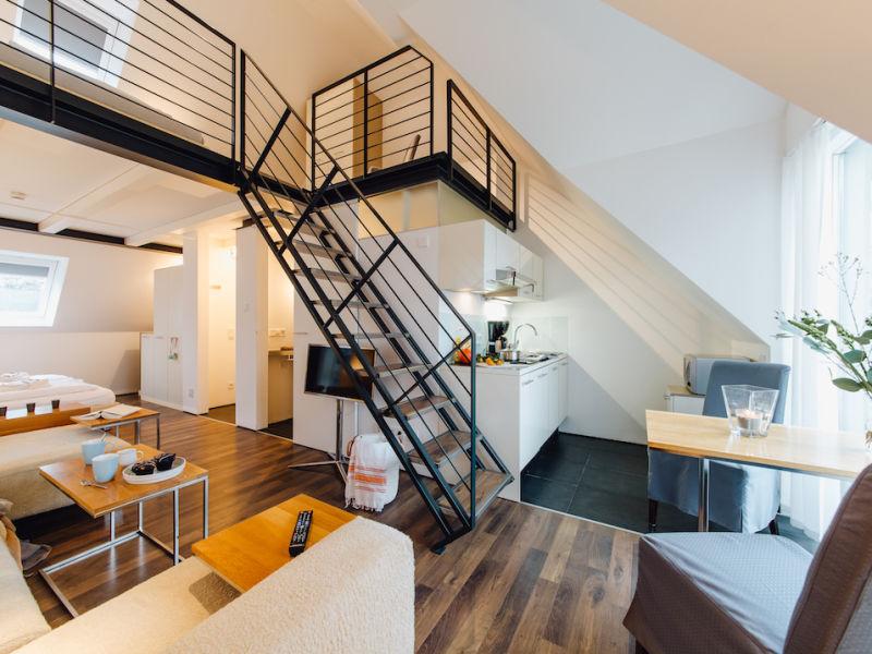 M2 Living Maisonette - Apartment