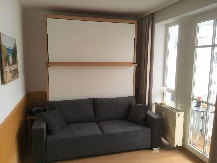 Apartment sellin r gen r gen herr oliver genrich - Schrankbett mit sofa ...