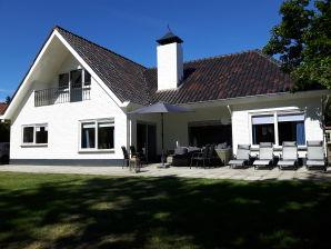 Villa De Zeester