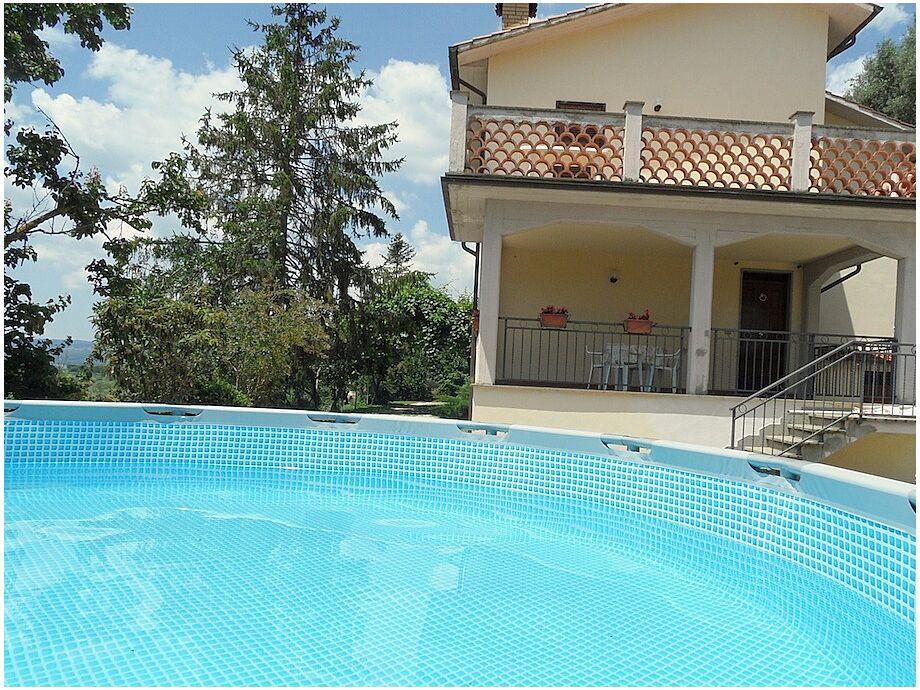 Apartmenthaus mit Swimmingpool