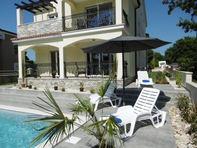 Villa Luka Apartment Gray mit Pool