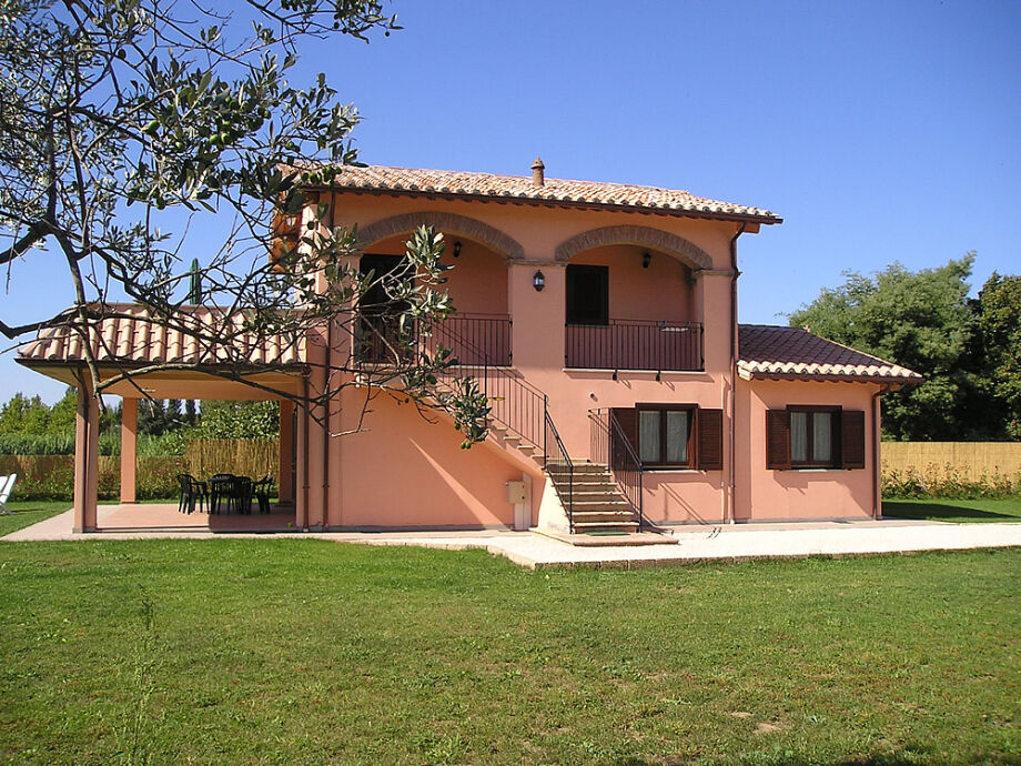 Haus mit großem Balkon in Bolsena