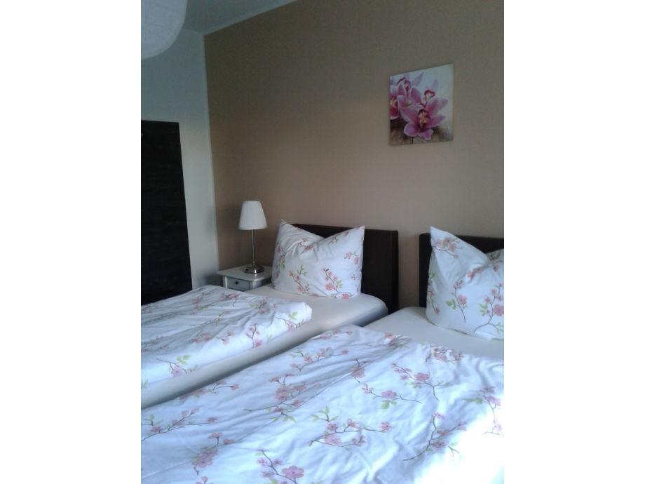 ferienwohnung kleine perle leipzig firma living apart. Black Bedroom Furniture Sets. Home Design Ideas