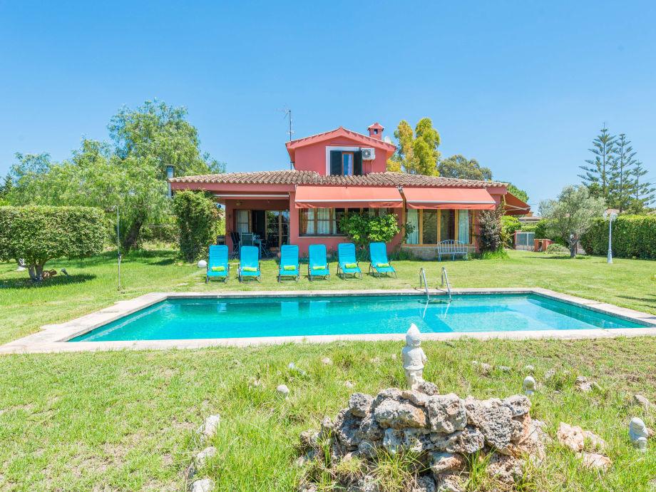 Villa Gualeta with private pool
