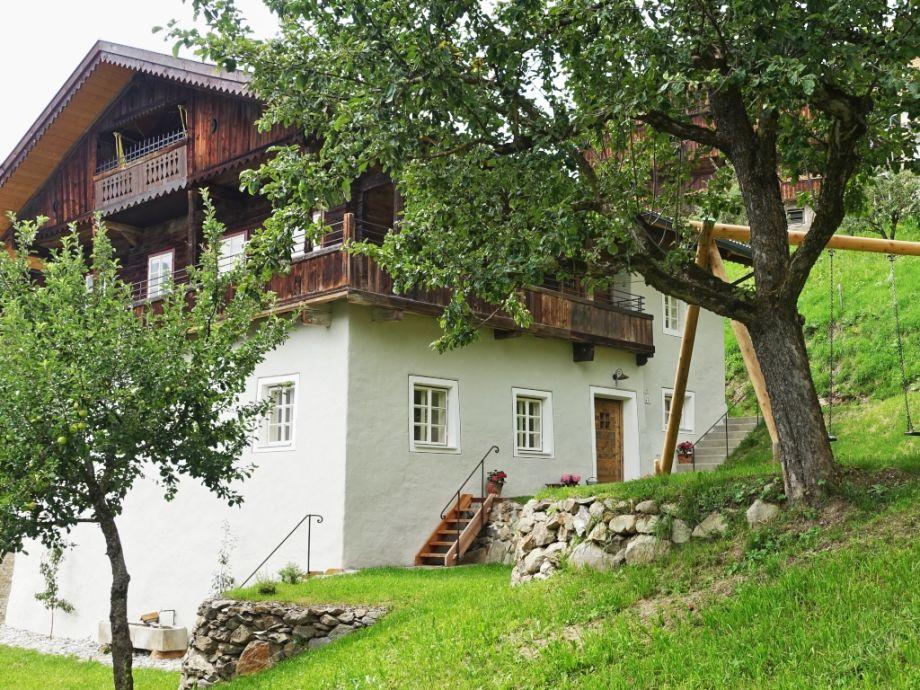 """Außenaufnahme """"Edelbauernhaus Unterweger Lienzer Dolomiten"""""""