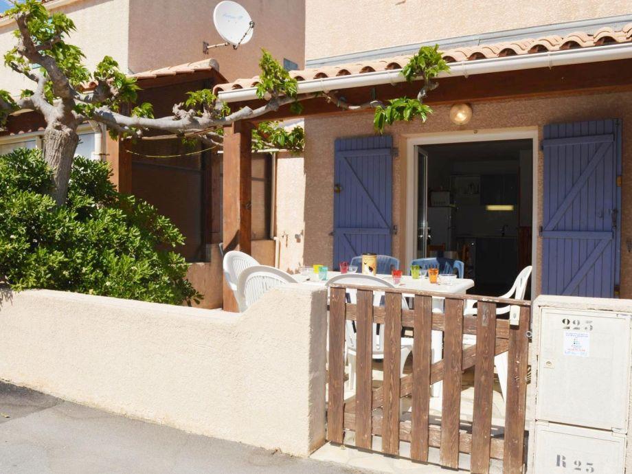 villa r sidence les jardins d 39 ulysse narbonne plage. Black Bedroom Furniture Sets. Home Design Ideas