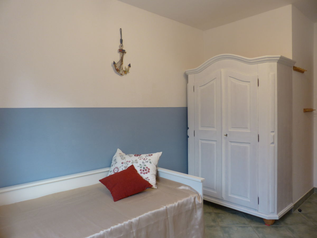 ferienwohnung 01 im haus oland f hr firma h rmann urlaubsdomizile f hr gmbh firma. Black Bedroom Furniture Sets. Home Design Ideas