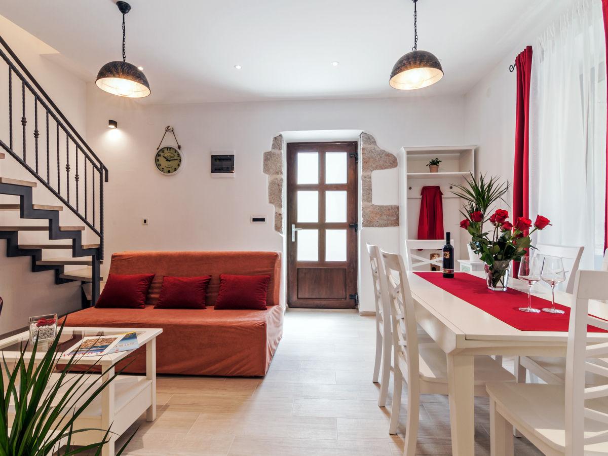 Ferienhaus augustina zadar sukosan firma t o lotos tours family andrijana krstic - Ess und wohnzimmer modern ...
