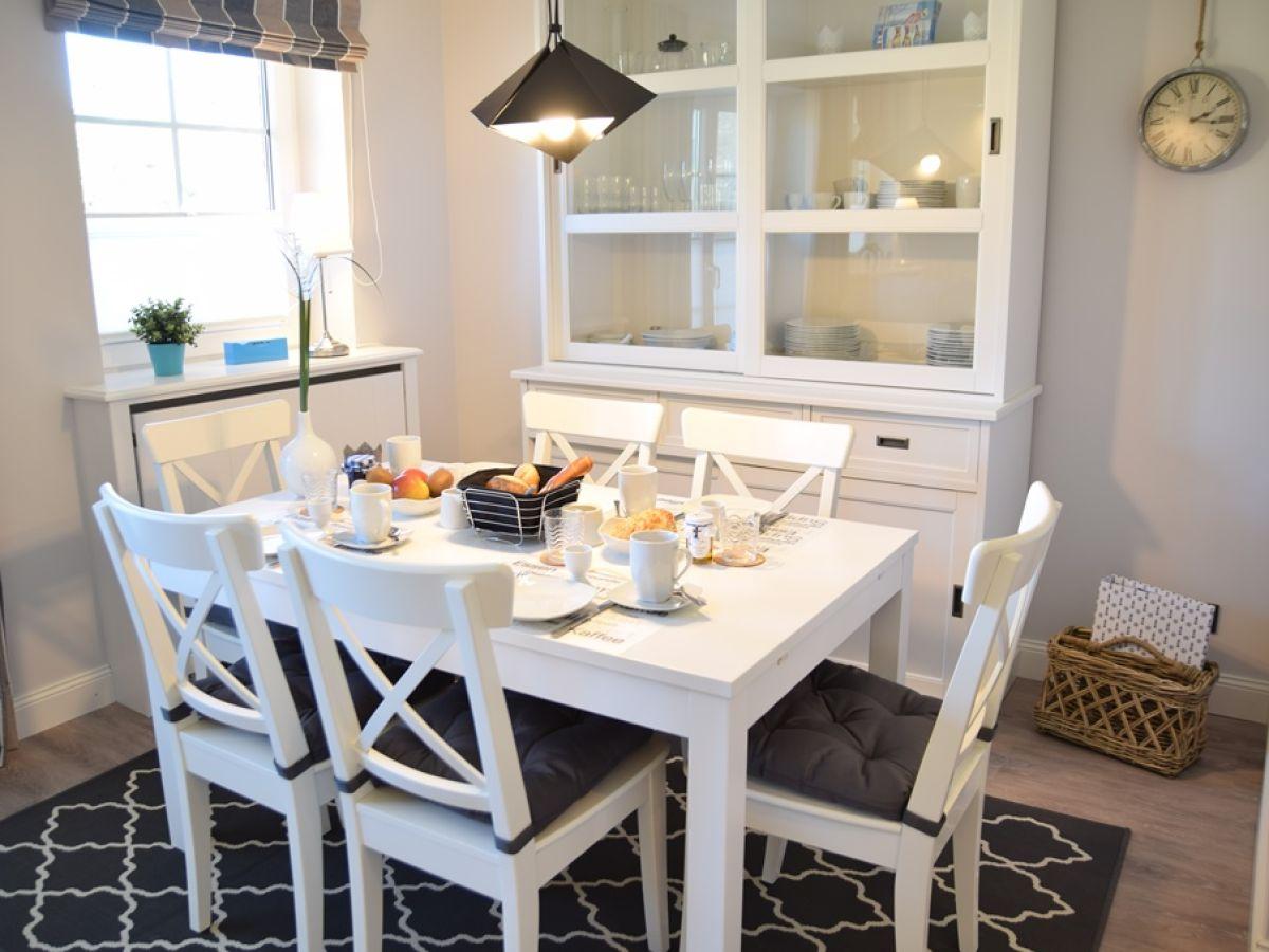 ferienwohnung lachm we wenningstedt firma nicolinenhof herr christopher hund. Black Bedroom Furniture Sets. Home Design Ideas