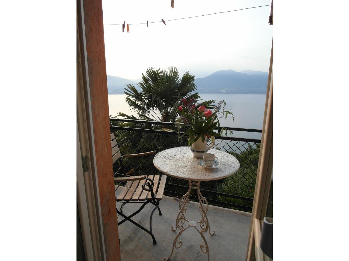 Ferienhaus casa sul lago lago maggiore herr gebhard weeth for Zimmer mit aussicht