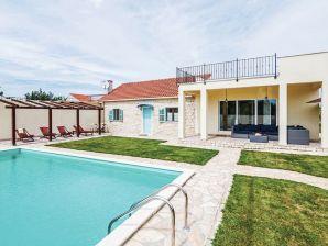 Ferienhaus Holiday House Tajana