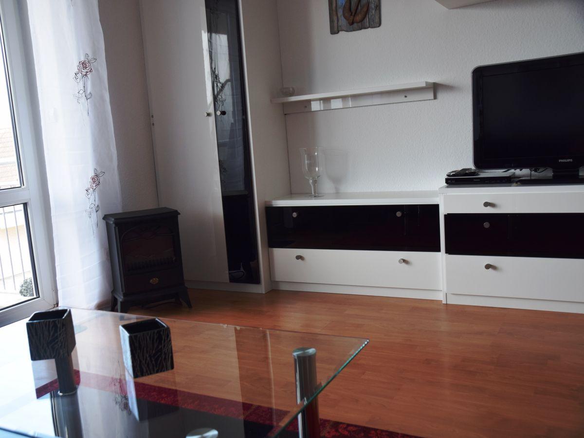 ferienwohnung meerjungfrau i ostsee sch nberger strand firma ostsee ferienhausvermietung. Black Bedroom Furniture Sets. Home Design Ideas