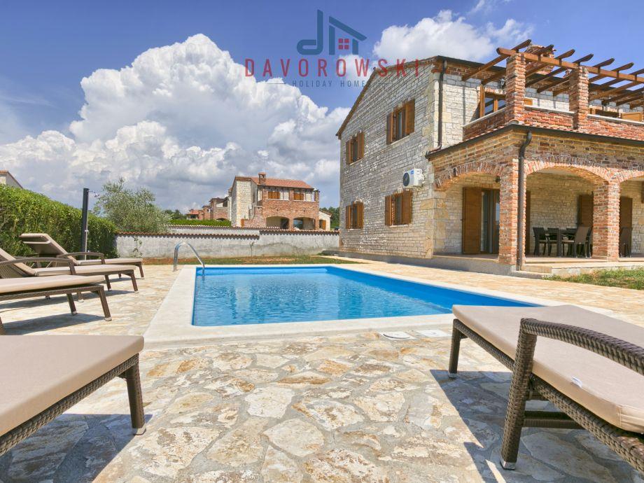 Villa Zoe with Pool