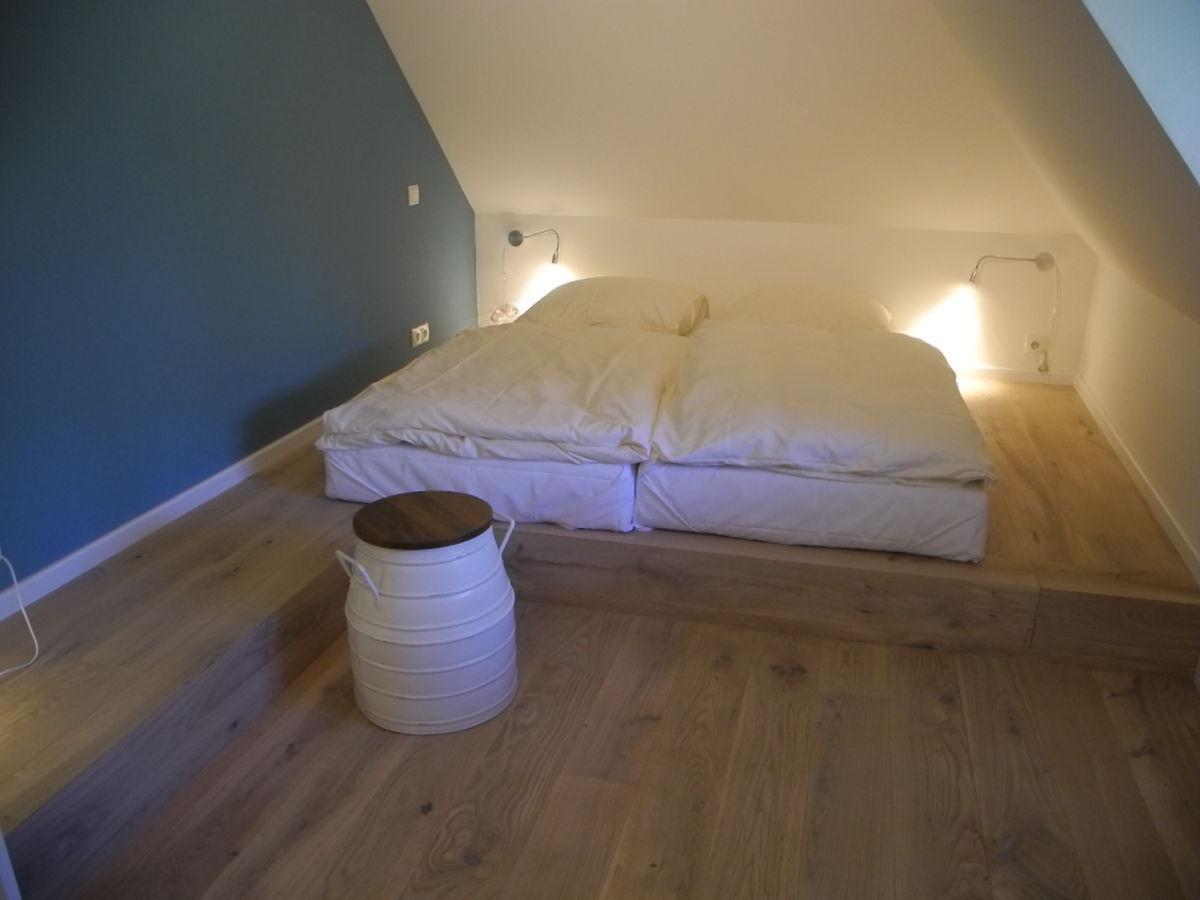 podest schlafzimmer bauen schlafsofas von br hl bettw sche grau gr n wandtattoo schlafzimmer. Black Bedroom Furniture Sets. Home Design Ideas