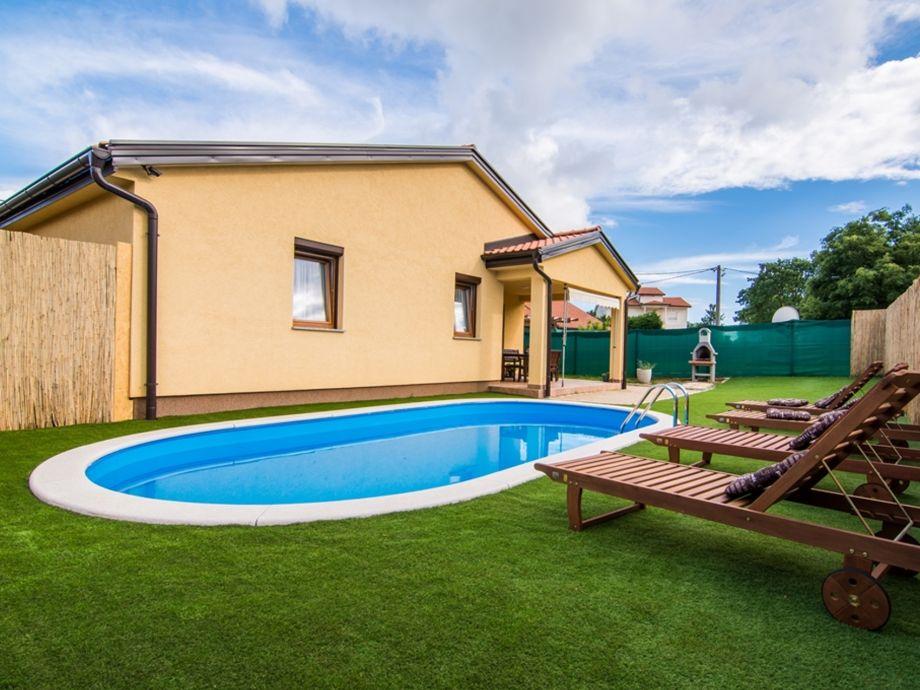 Pool, Garten ,Gartengrill