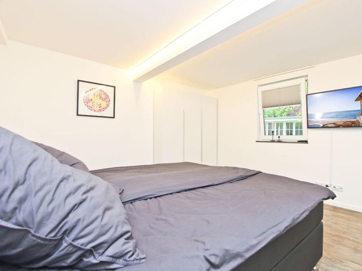 ferienwohnung waterkant 4 ostsee timmendorfer strand firma b bs appartements herr bastian. Black Bedroom Furniture Sets. Home Design Ideas