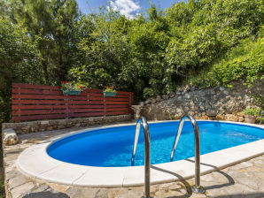 Villa Almissa mit Swimming Pool