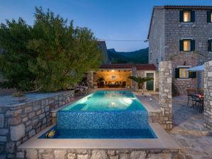 Villa Rustica Moderna mit Swimming Pool