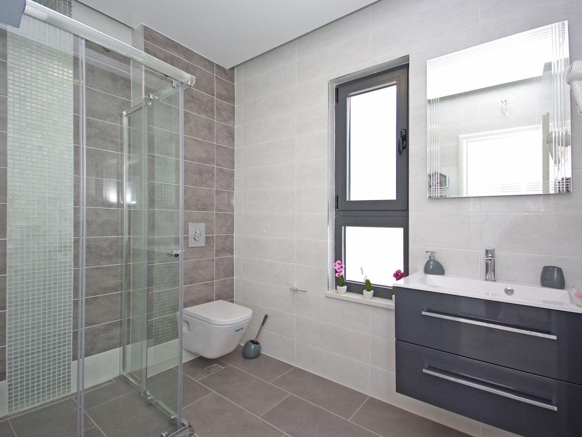 ferienhaus villa nera goran dalmatien makarska riviera. Black Bedroom Furniture Sets. Home Design Ideas