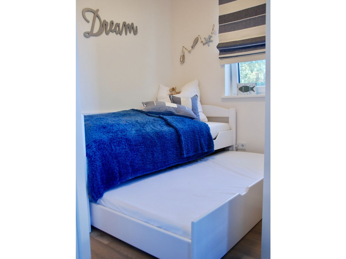 ferienwohnung sehnsucht victoria luna 4 zingst firma grundst cksgemeinschaft ina thomas. Black Bedroom Furniture Sets. Home Design Ideas