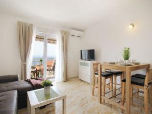 Holiday apartment Emilija Makarska