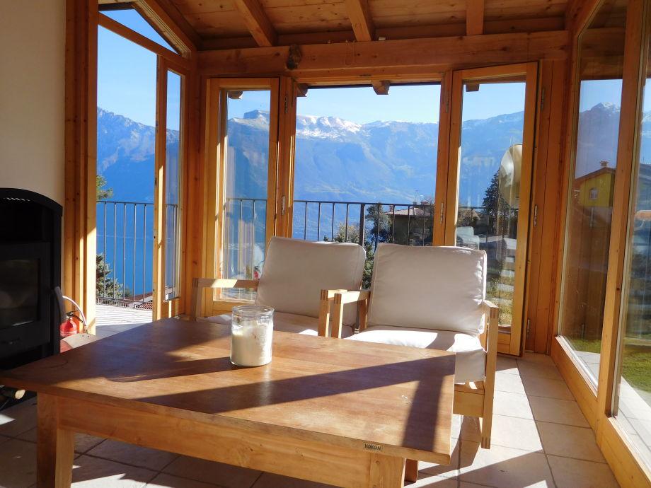 Gemütlicher Sitzplatz in der Veranda