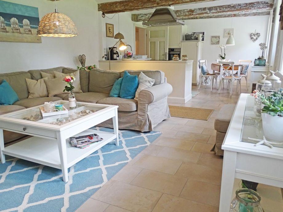 Der Blick in den offenen Wohn- und Küchenbereich
