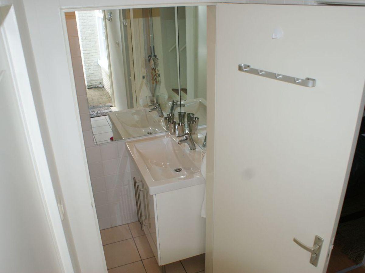 ferienhaus gartenhaus mit sauna nord holland firma. Black Bedroom Furniture Sets. Home Design Ideas