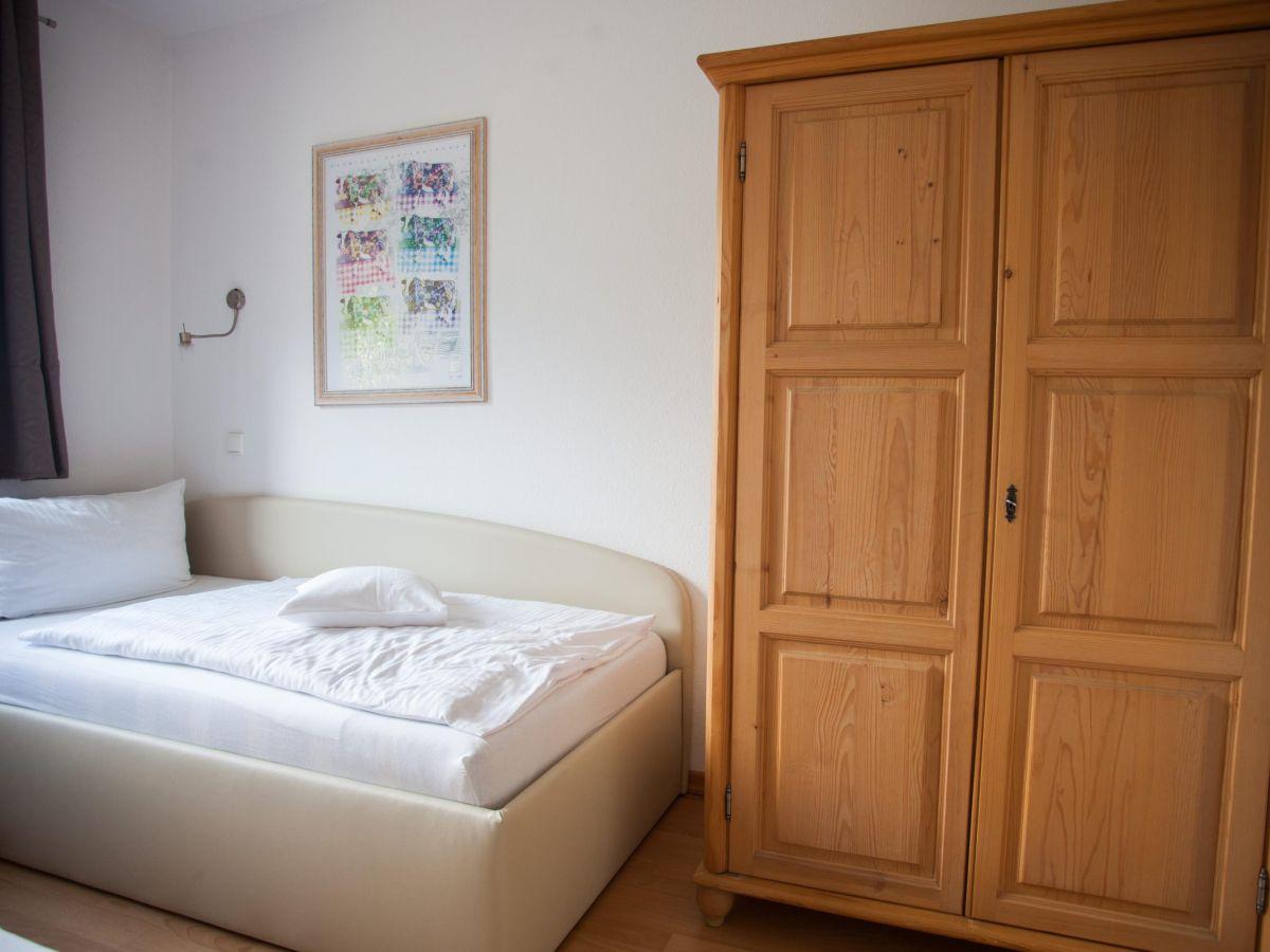 ferienwohnung alpenzauber whg 25 garmisch partenkirchen firma mahr gmbh. Black Bedroom Furniture Sets. Home Design Ideas